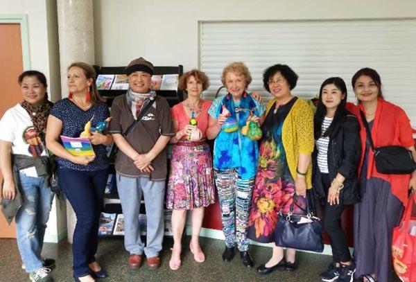 石泉海田园艺术庄园葫芦走进法国助力中法文化交流